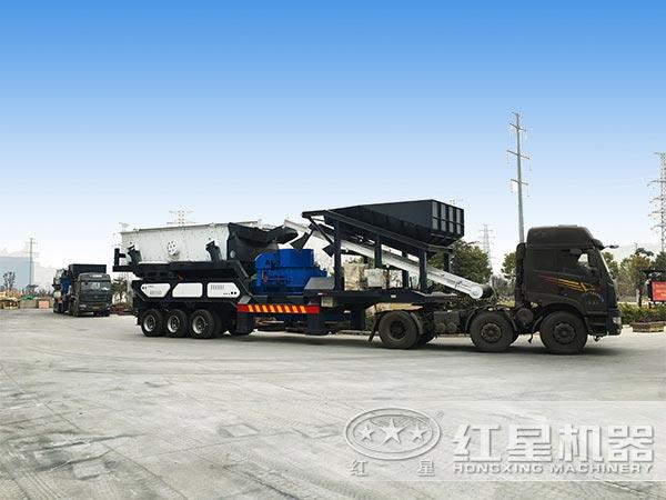 小型流动式石子制砂机发往广东