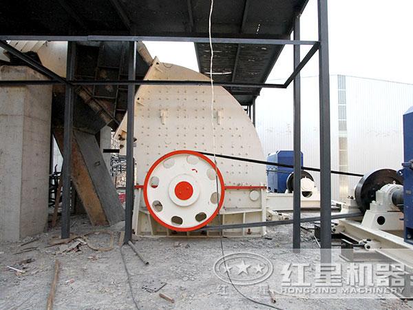 小型炉渣重型锤式破碎机浙江用户现场