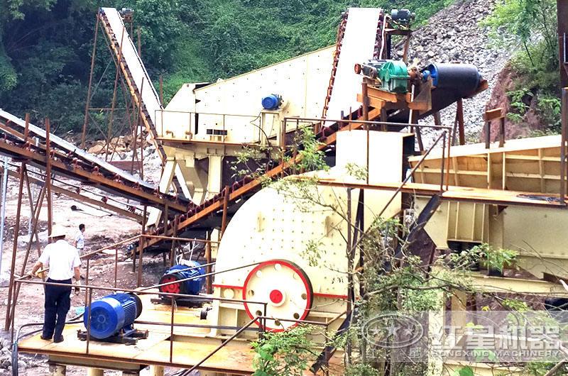 时产100-180吨鹅卵石重锤式破碎机