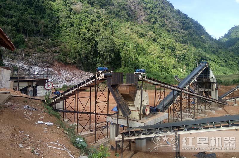 老挝客户破碎石子现场图