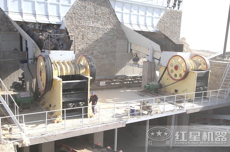大型破碎机生产现场图