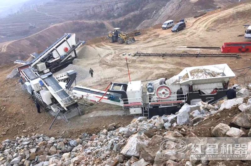 时产200吨移动破碎机加工生产现场