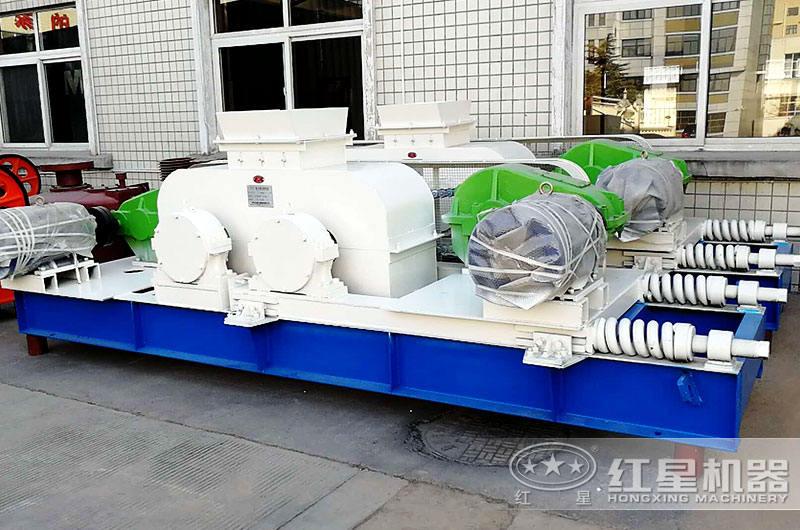 小型对辊式制砂机出料规格易控制