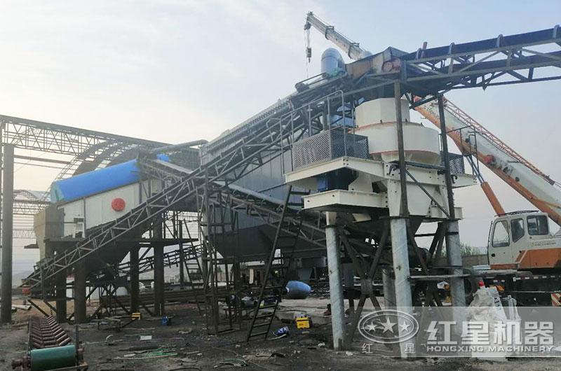 时产50-100吨小型制砂机作业现场(配备环保措施)