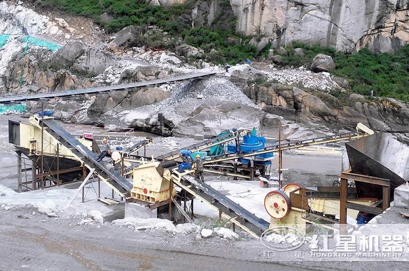 河石制砂生产现场