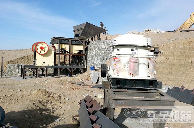河卵石破碎制砂生产现场