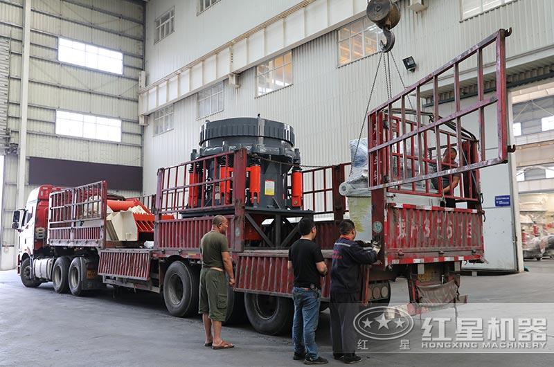 河卵石制砂设备装车发货现场