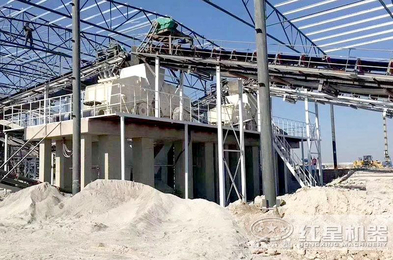 河北大型砂石厂内,1210反击破运行中