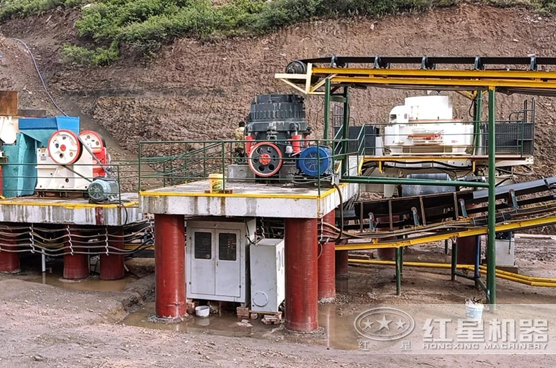 贵州客户机制砂生产线现场,可配置洗砂机
