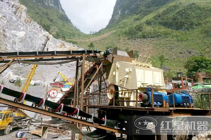 贵州1520反击破碎机生产现场,效能高