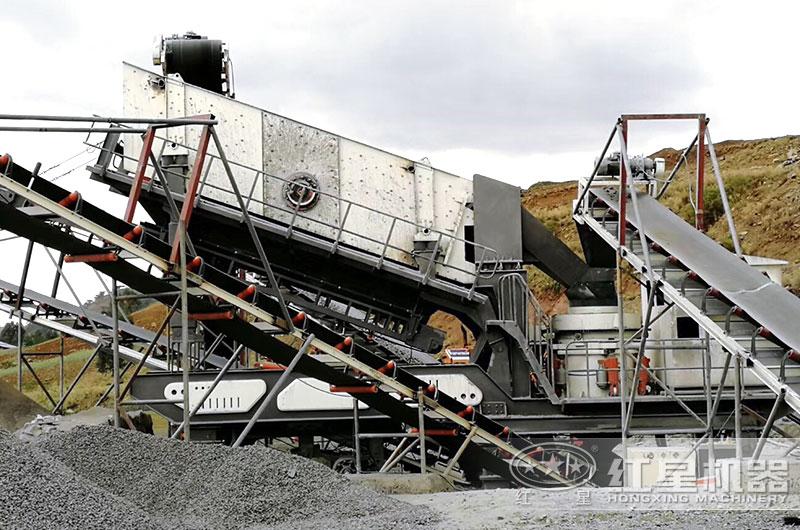 圆锥移动破碎机设备生产现场,轮胎式