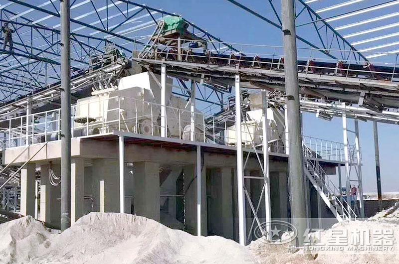 反击破碎机生产现场,河北大型砂石生产线